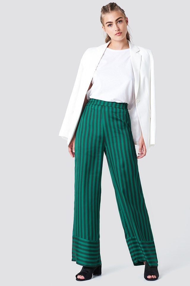 Spodnie w paski z wysokim stanem NA-KD