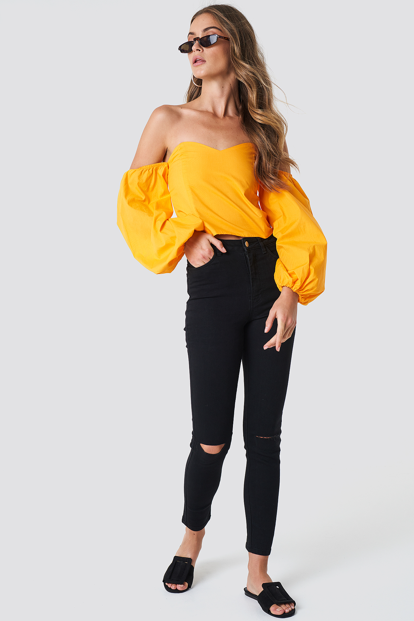 Highwaist Ripped Knee Skinny Jeans NA-KD.COM