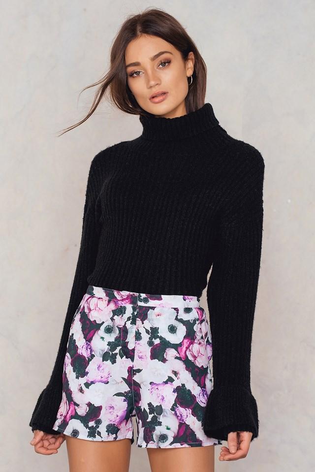 Highwaist Shorts Black/Pink Flowerprint