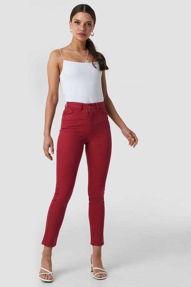 Jeansy z wysokim stanem Red