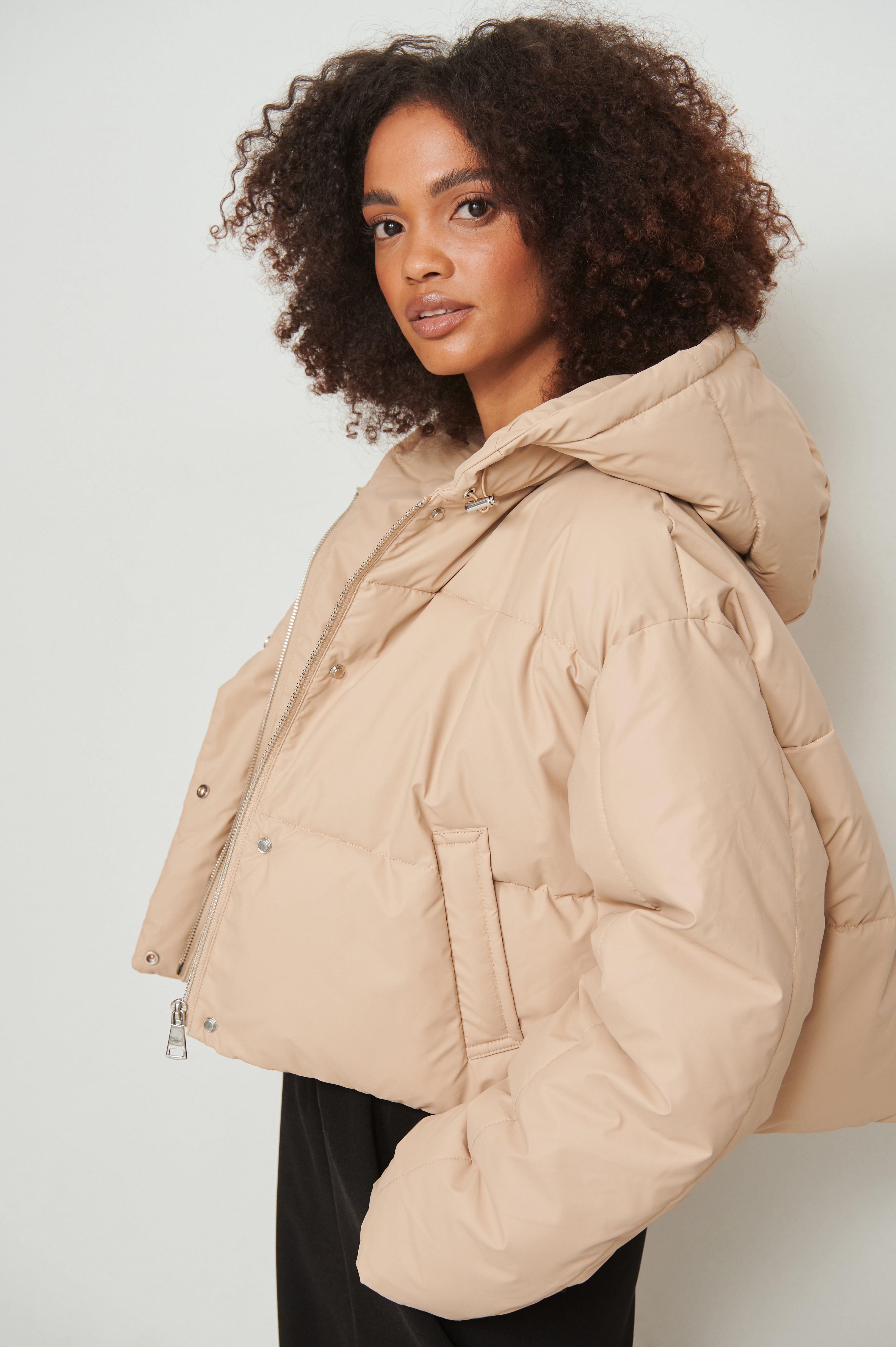 NA-KD Vatteret imprægneret frakke med hætte - Beige