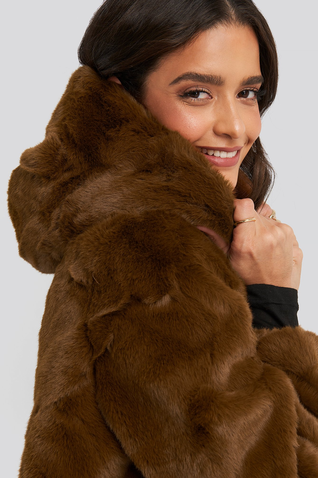 na-kd -  Hooded Faux Fur Jacket - Brown