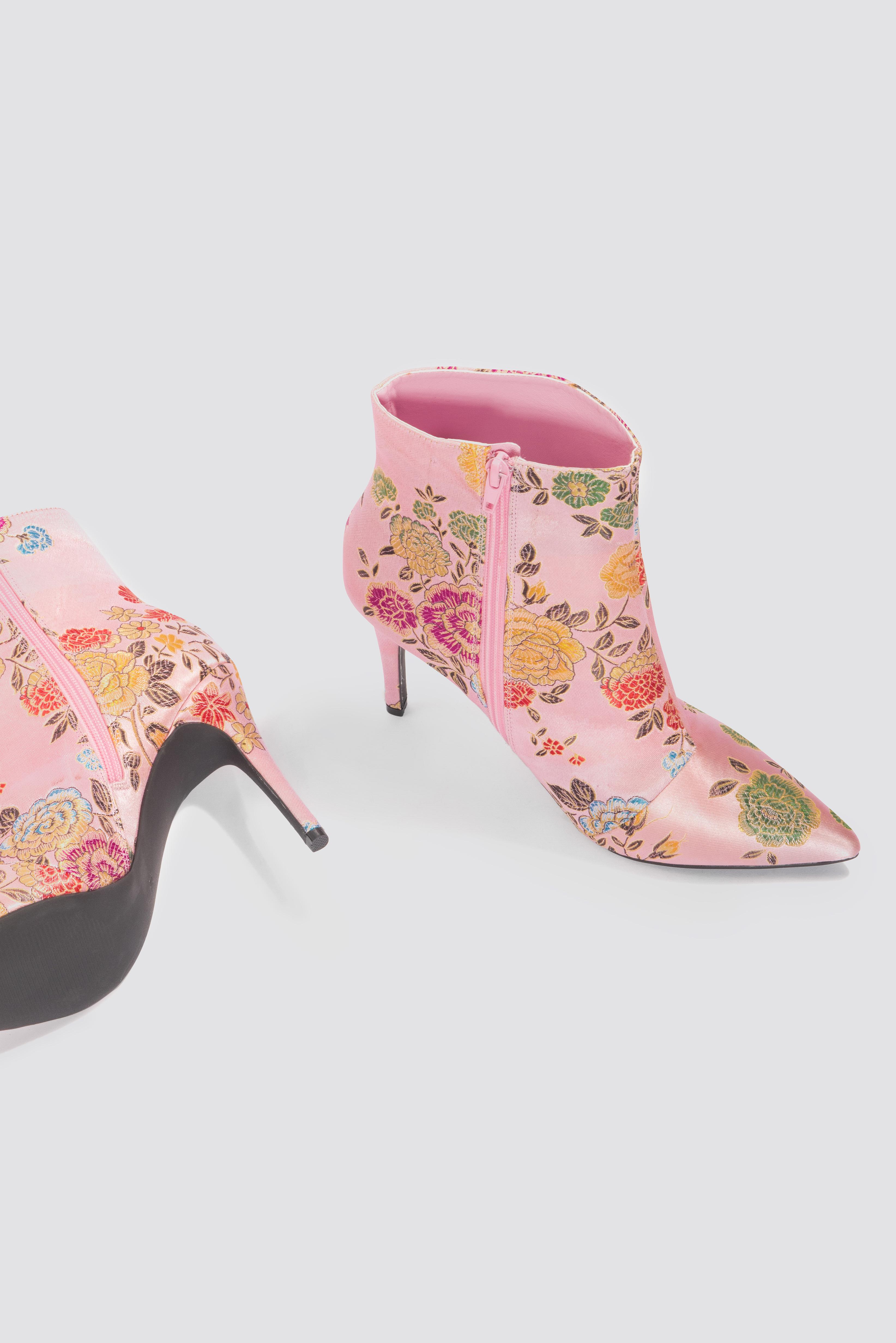 NA-KD Jacquard Flower Satin Boots - Pink MMl0hIR