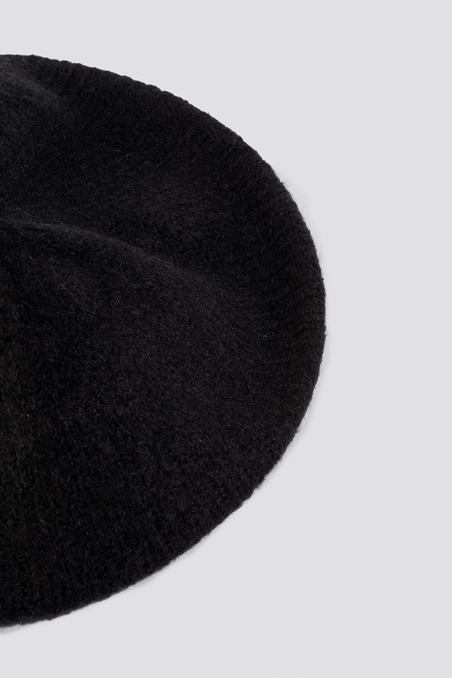 Knitted Beret Hat Black