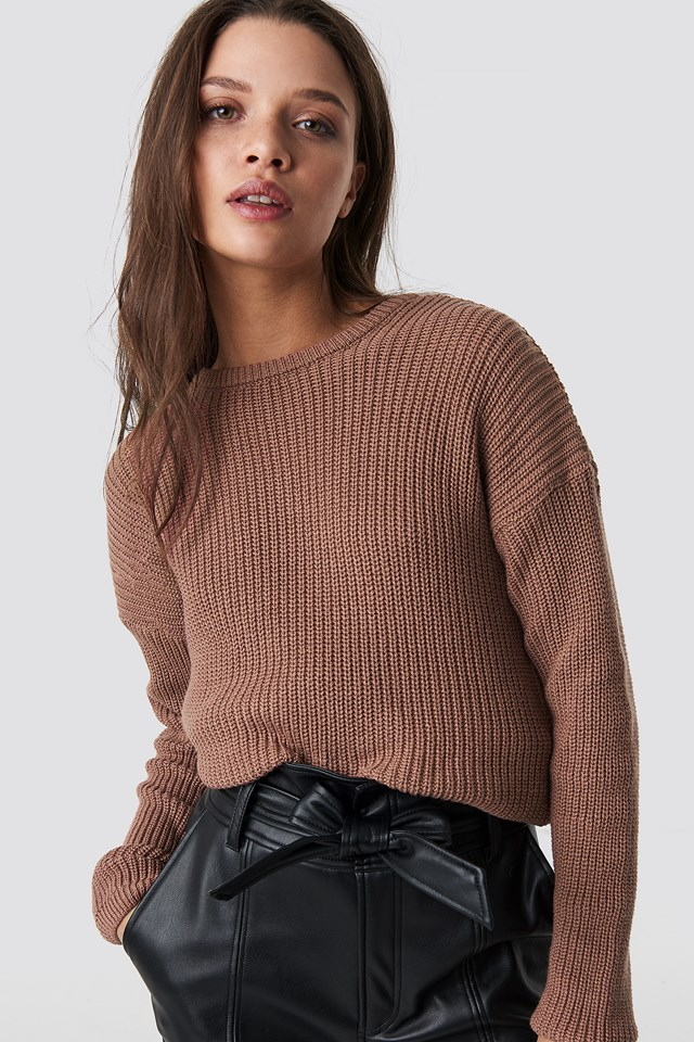 Knitted Deep V-neck Sweater NA-KD.COM