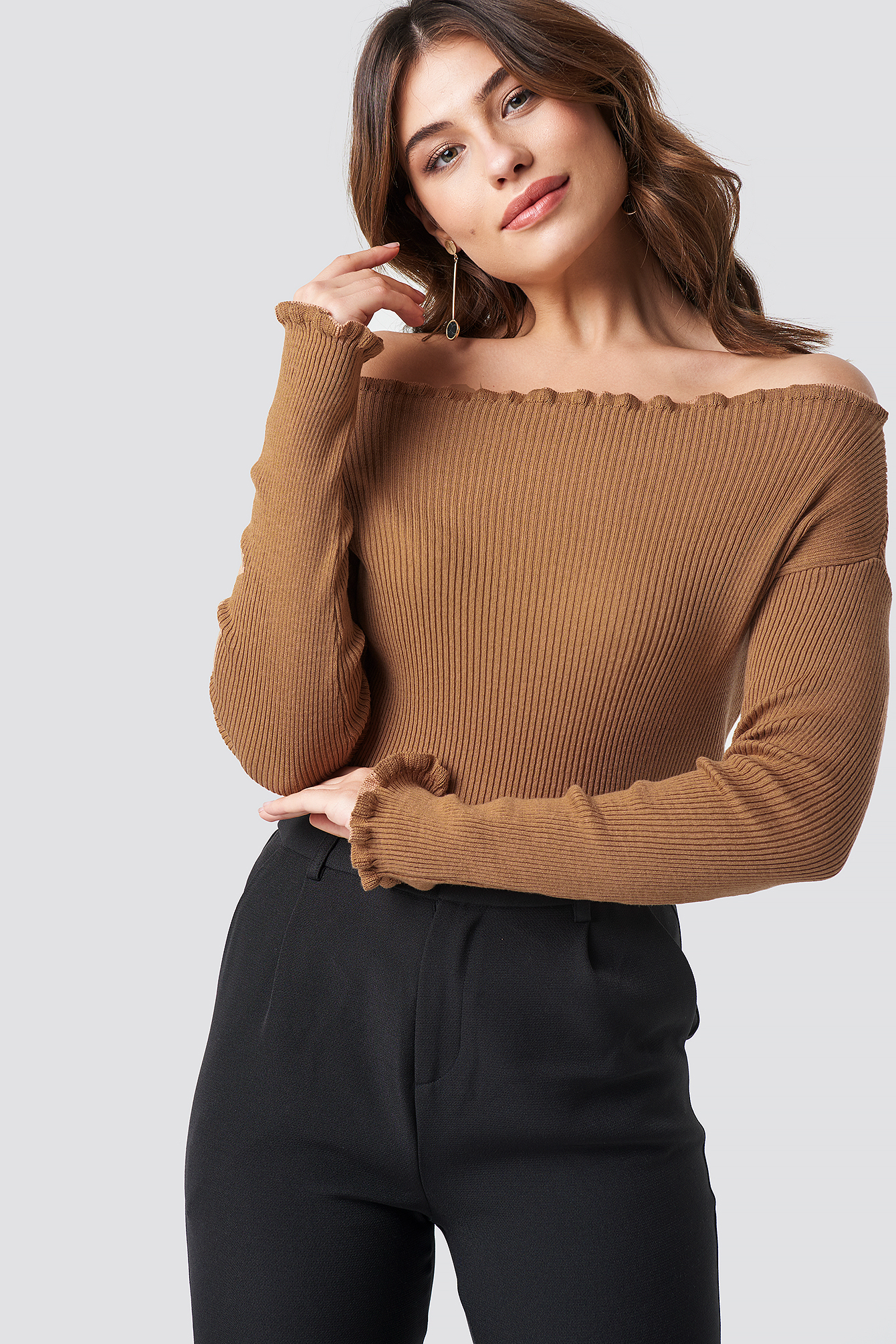 na-kd trend -  Knitted Frill Off Shoulder Sweater - Beige