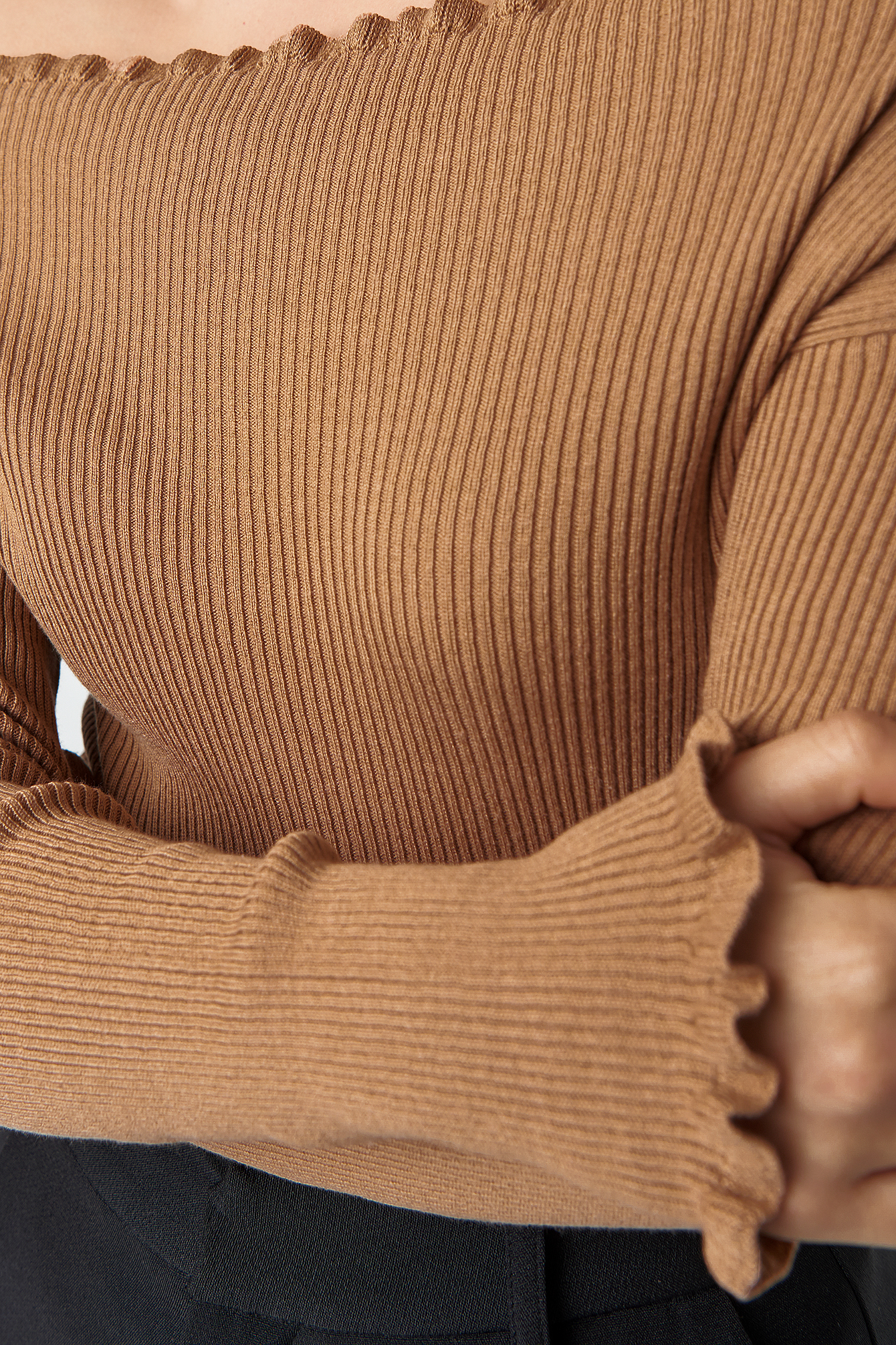 Knitted Frill Off Shoulder Sweater NA-KD.COM