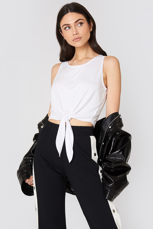 Knot Front Cropped Top NA-KD