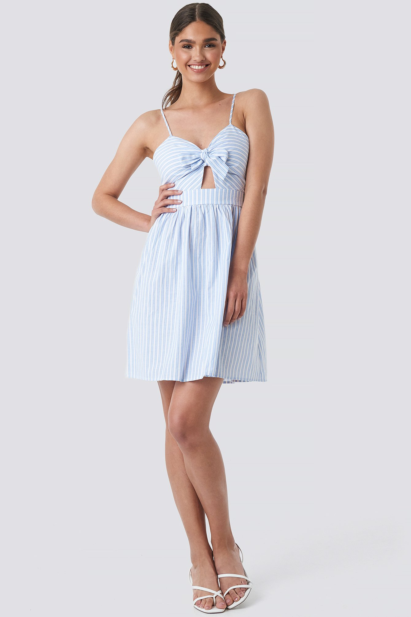 na-kd boho -  Knot Front Cut Out Dress - White,Blue