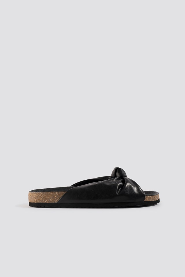 Knotted Slippers Black