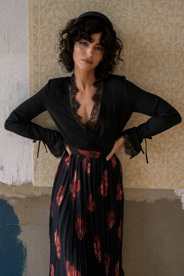 Overlap Lace Detail Bodysuit Black