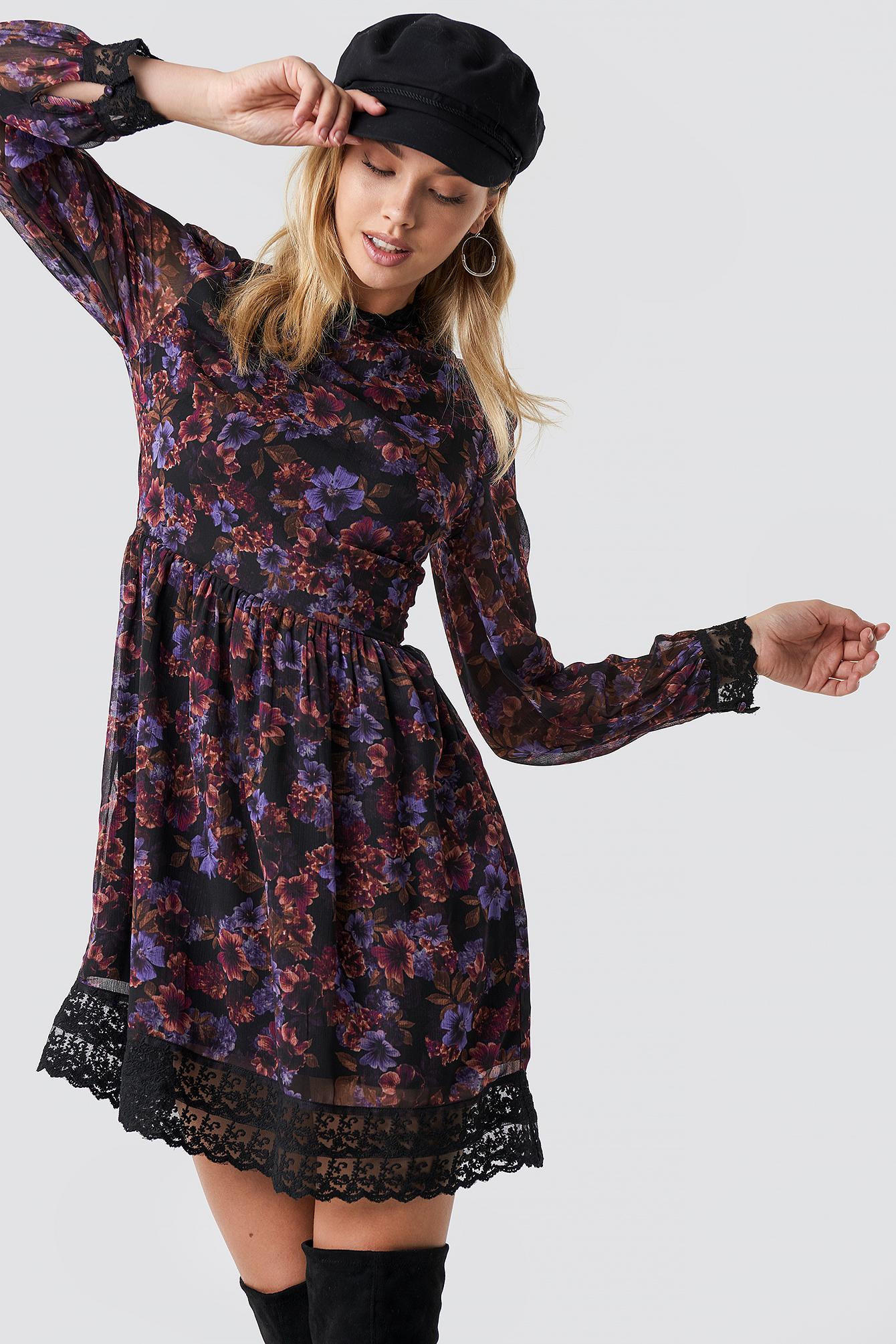 Lace Detail High Neck Dress NA-KD.COM