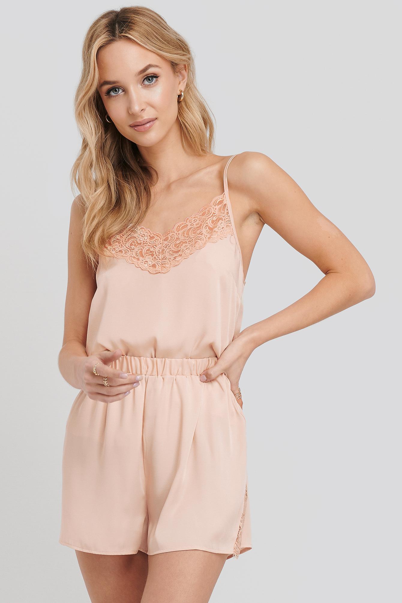 na-kd lingerie -  Lace Edge Night Satin Shorts - Pink
