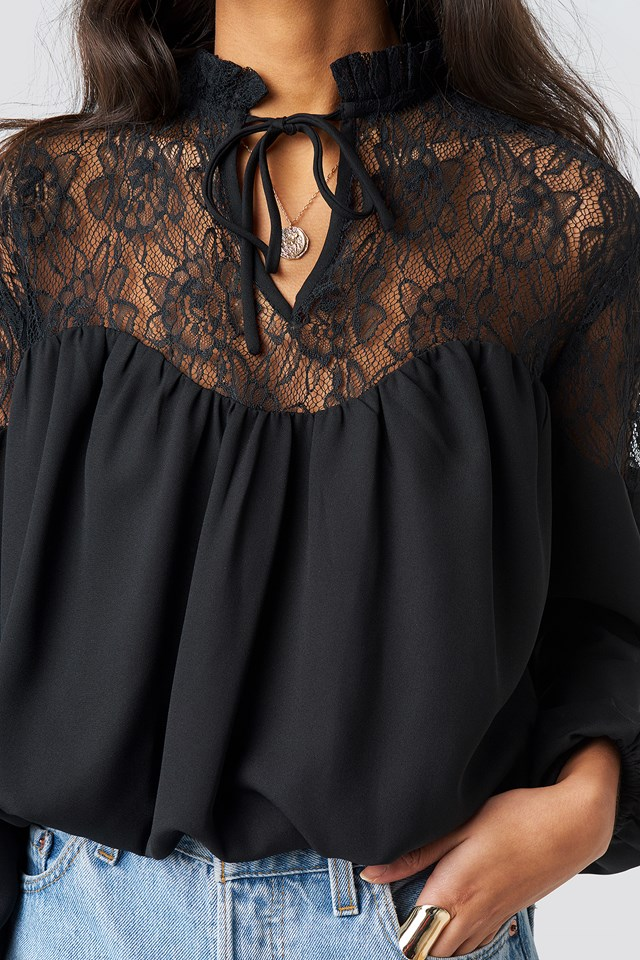 Lace Part Balloon Sleeve Blouse Black