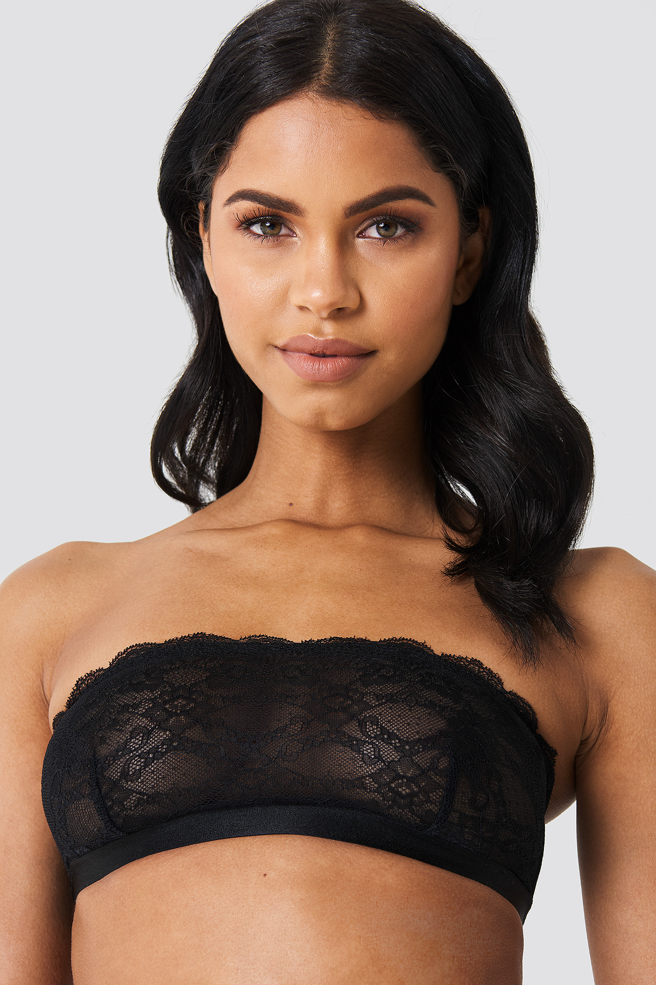 Lace Scalloped Bandeau Bra NA-KD.COM
