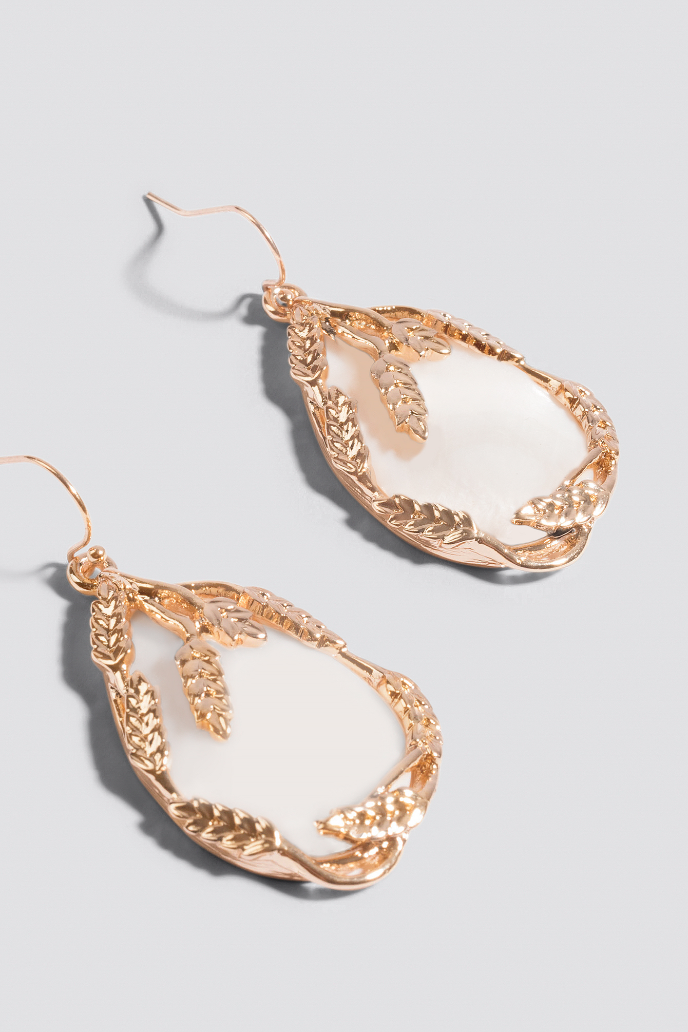 Leaf Framed Drop Earrings NA-KD.COM
