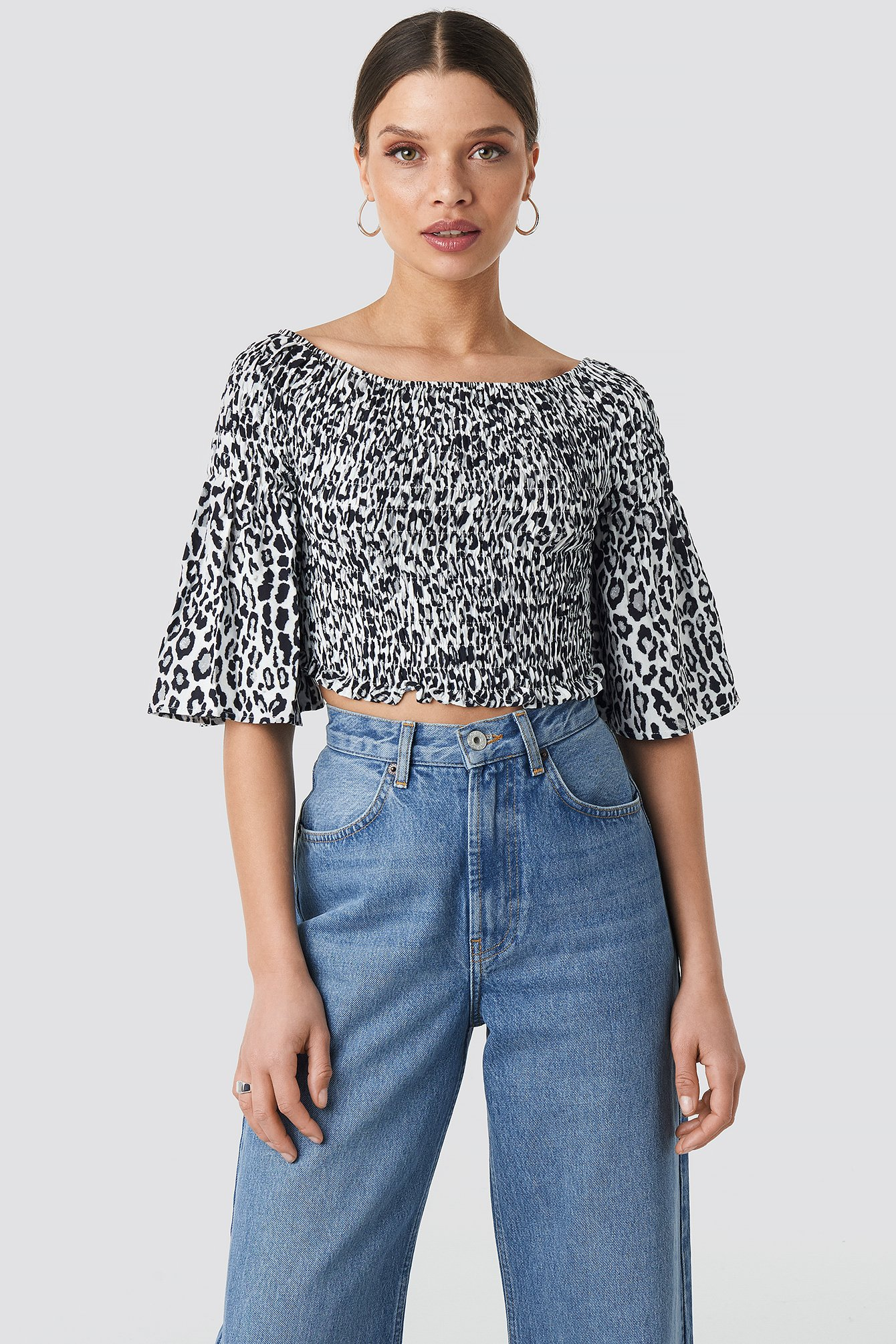 na-kd -  Leopard Print Bardot Smock Top - Multicolor