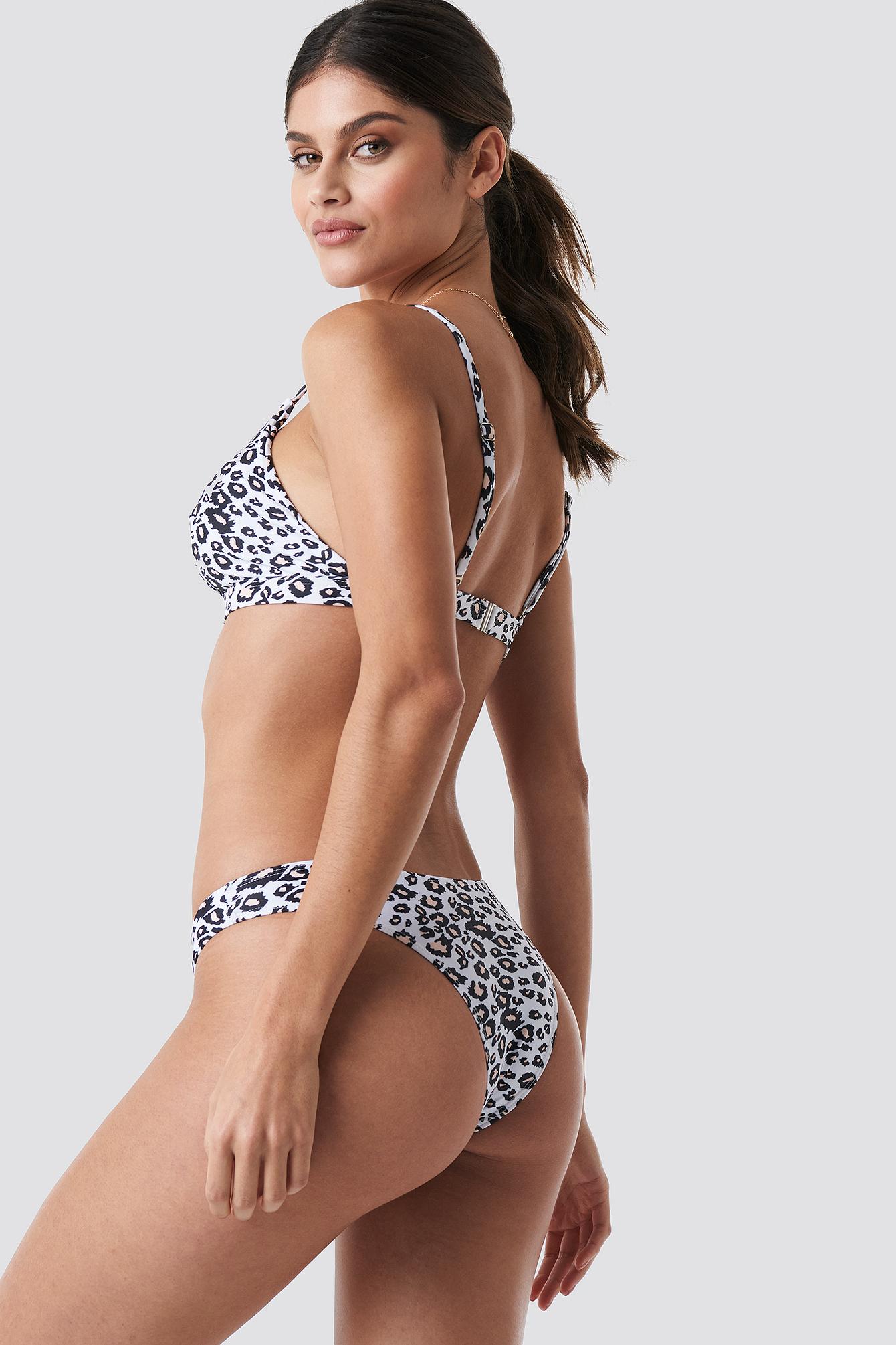 Leoprinted Bikini Top NA-KD.COM