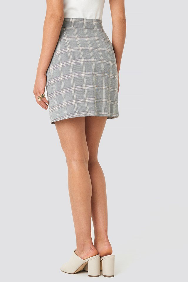 Light Checkered Mini Skirt NA-KD.COM