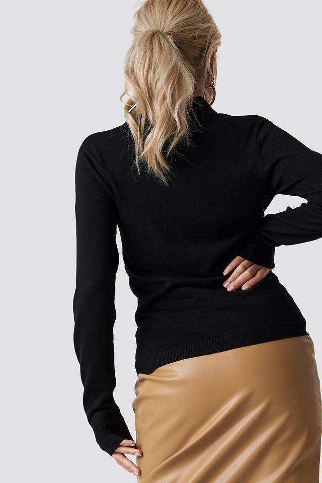 Light Knit Zipped Sweater Black