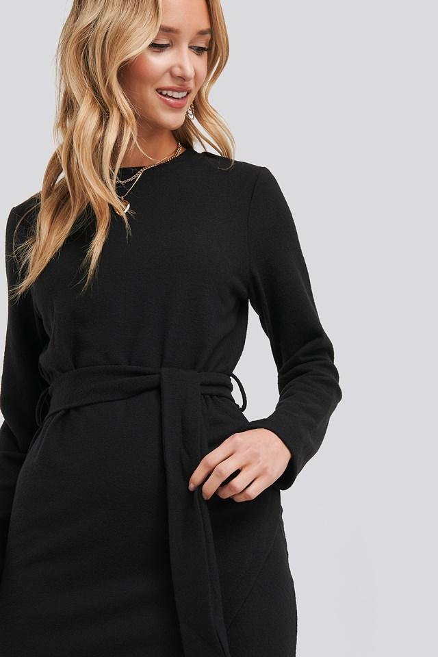 Light Knitted Belted Dress Black