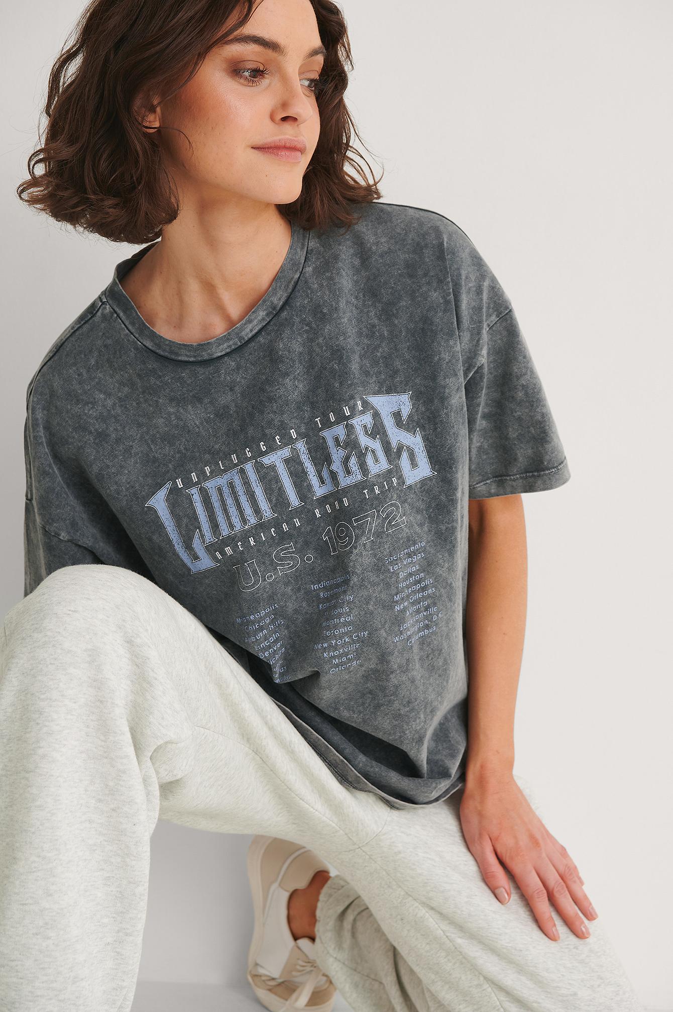 NA-KD Trend T-Shirt Med Print Af Limitless - Grey