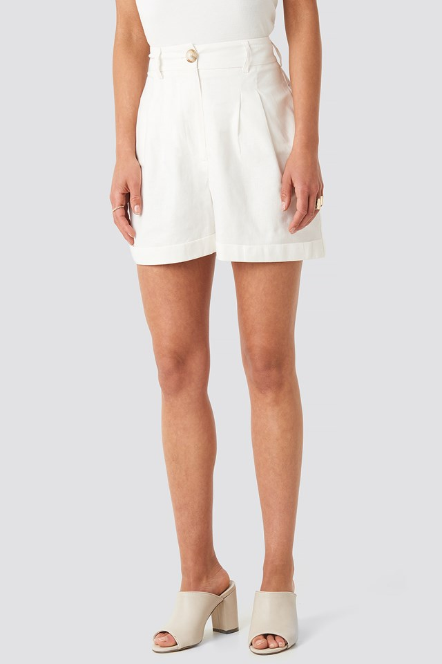 Linen Blend Darted Shorts Offwhite