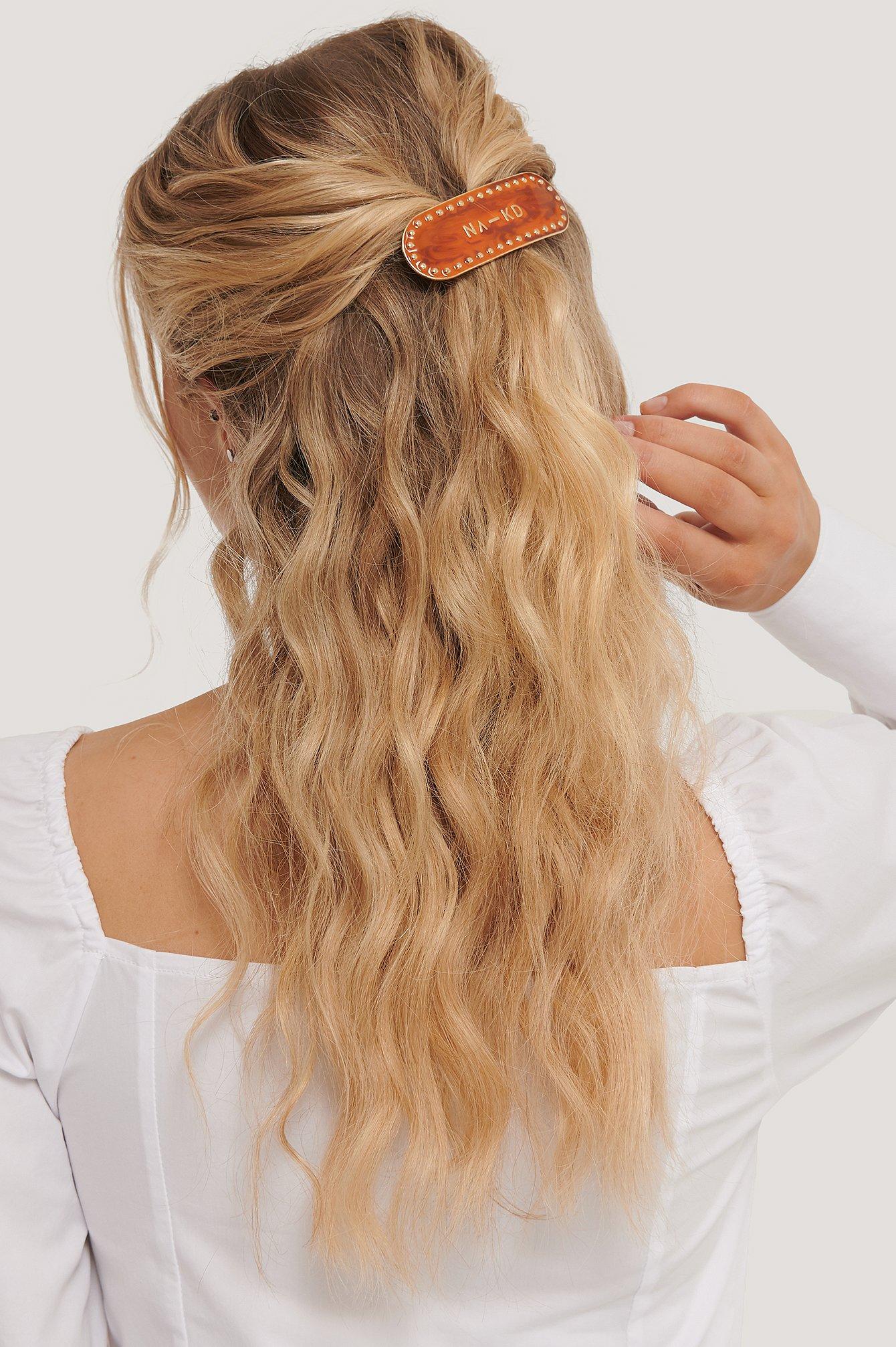 na-kd accessories -  Gebogene Haarspange - Brown