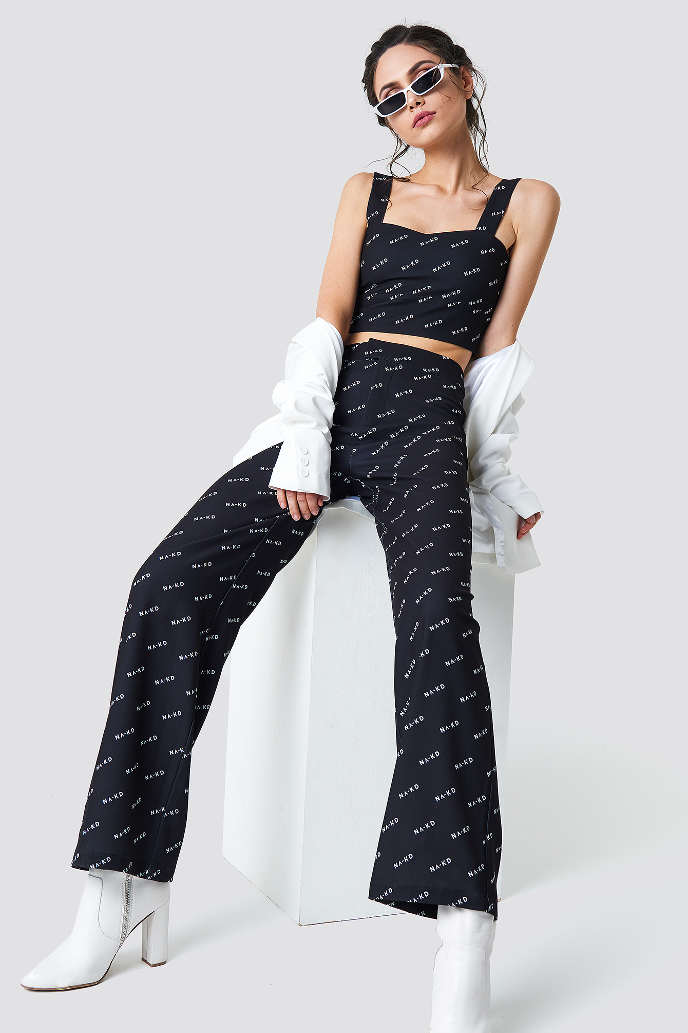 NA-KD LOGO LOOSE FIT PANTS - BLACK