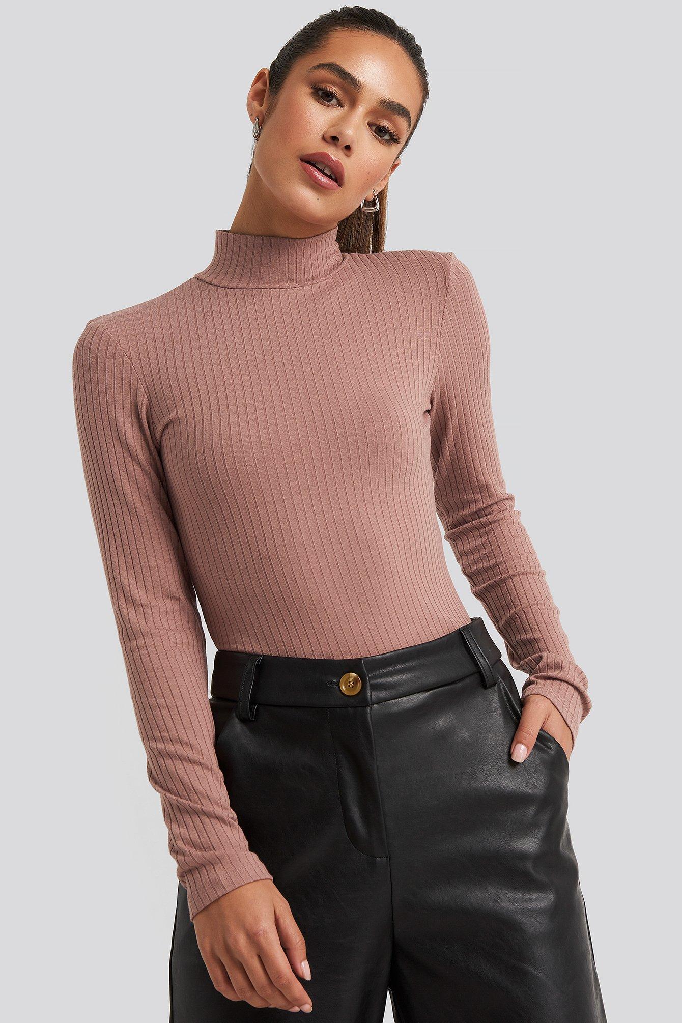 na-kd basic -  Langärmeliges Geripptes Polo-Top - Pink