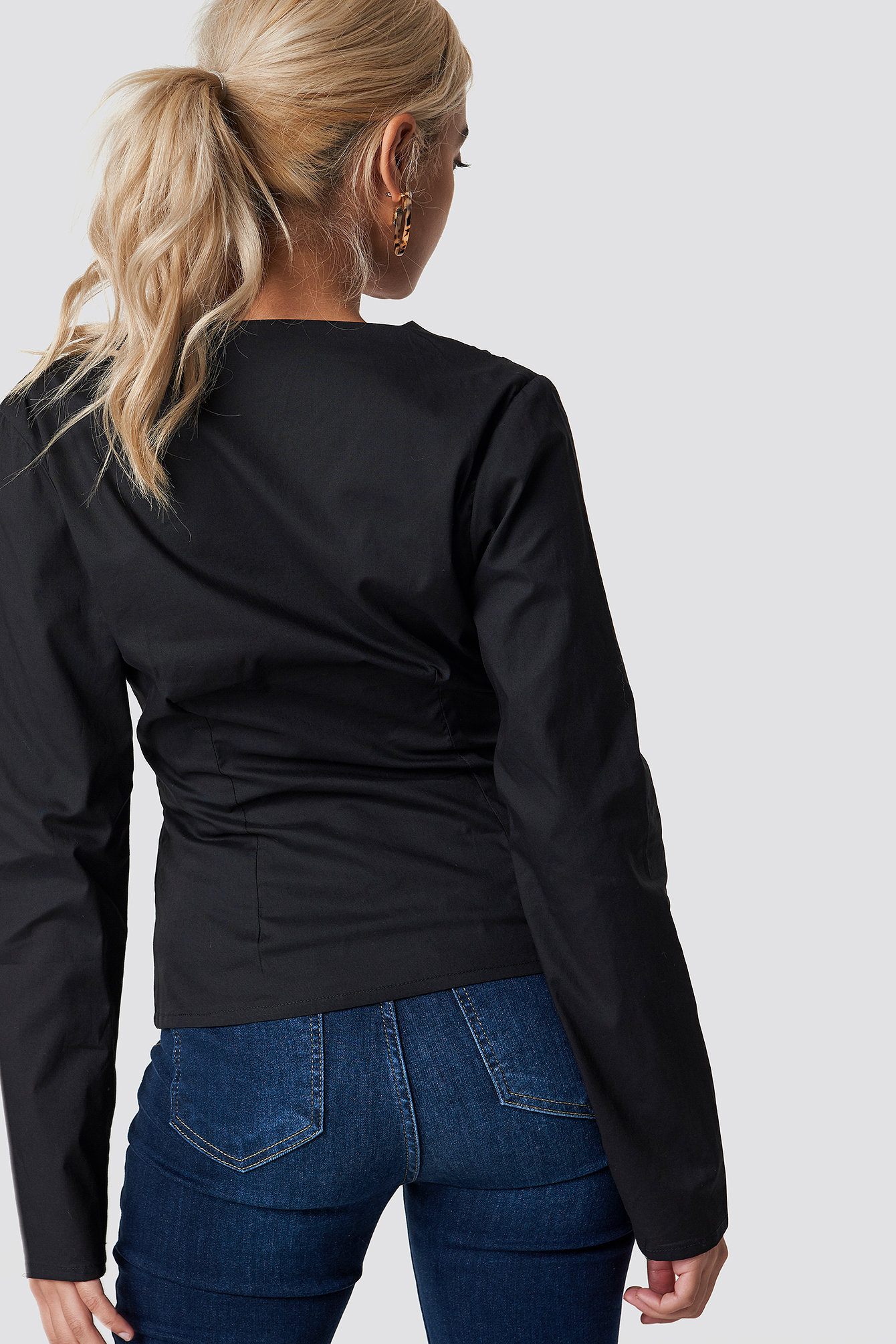 Long Sleeve Buttoned Blouse NA-KD.COM