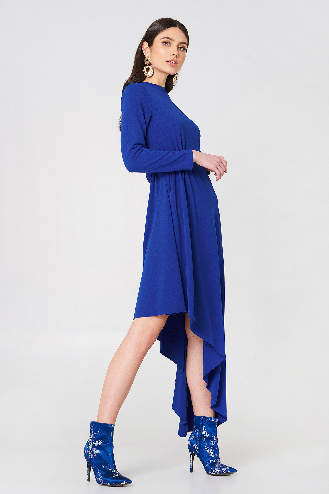 Jerseyowa sukienka z długim rękawem NA-KD.COM