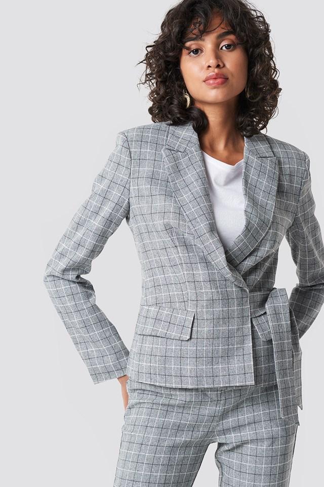 Marked Shoulder Tie Blazer Check