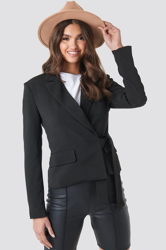 Marked Shoulder Tie Blazer Black