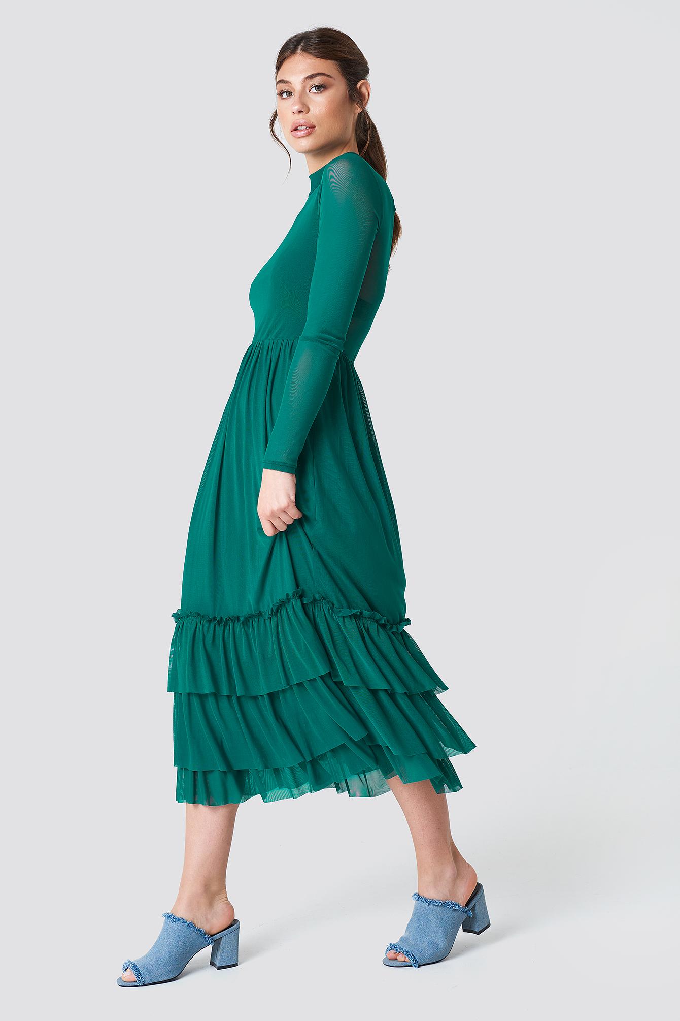 Siateczkowa sukienka z falbanką NA-KD.COM