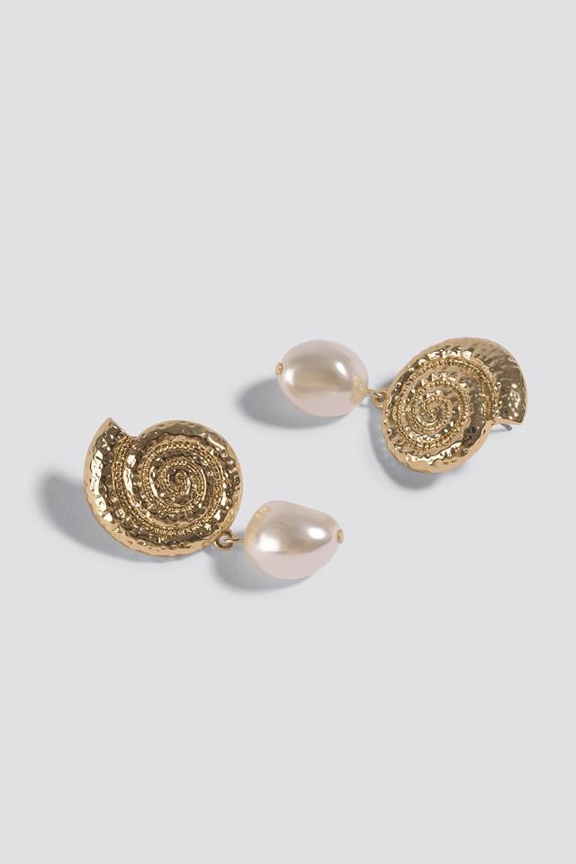 Metal Shell Pearl Drop Earrings Gold