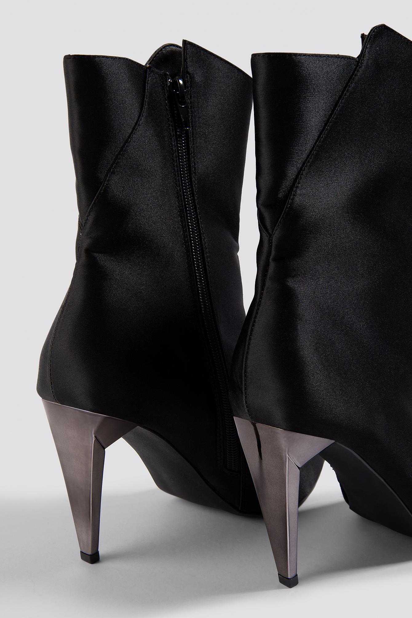 Metallic Heel Satin Boots NA-KD.COM