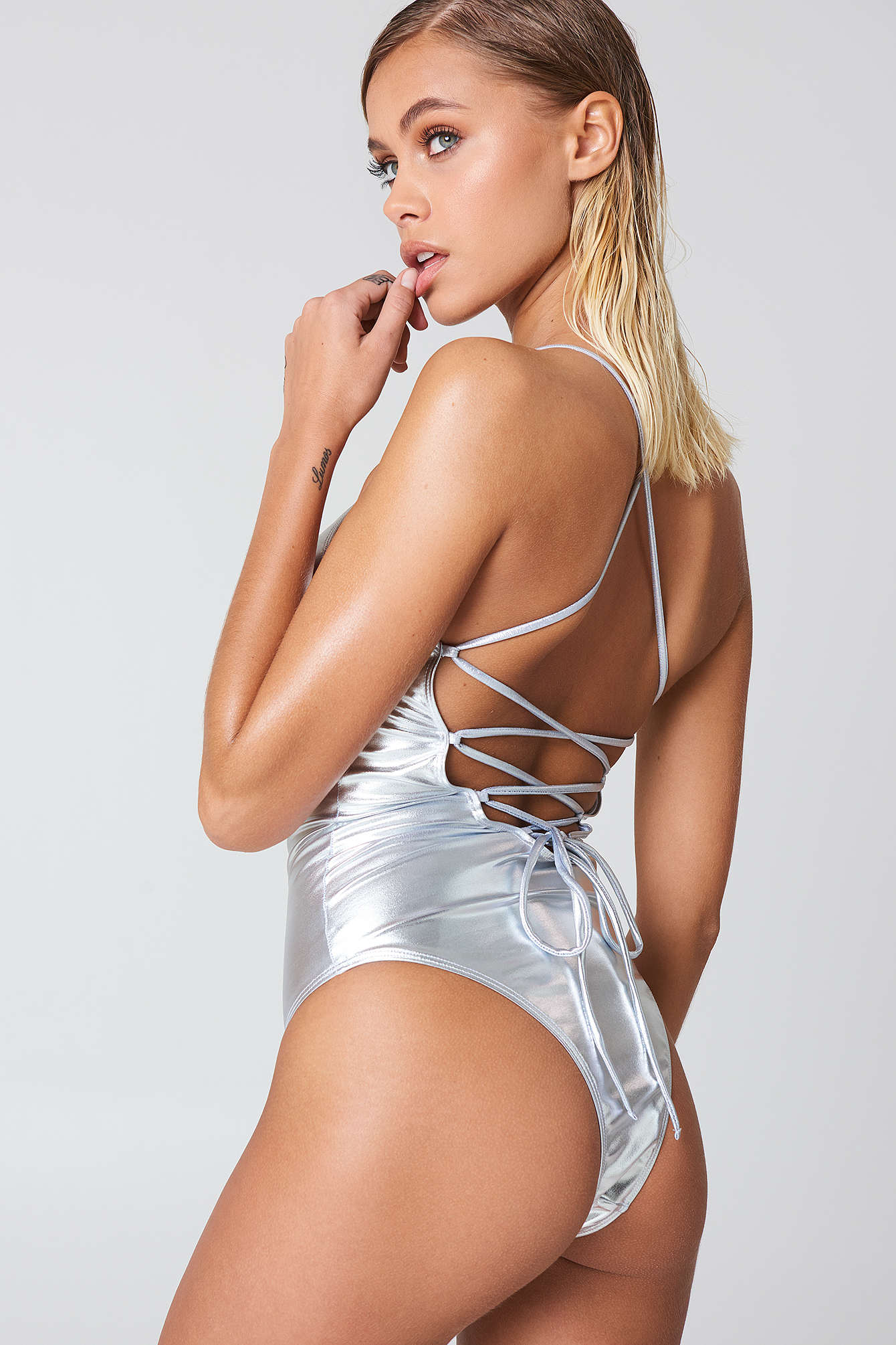 Metallic Lacing Back Swimsuit NA-KD.COM