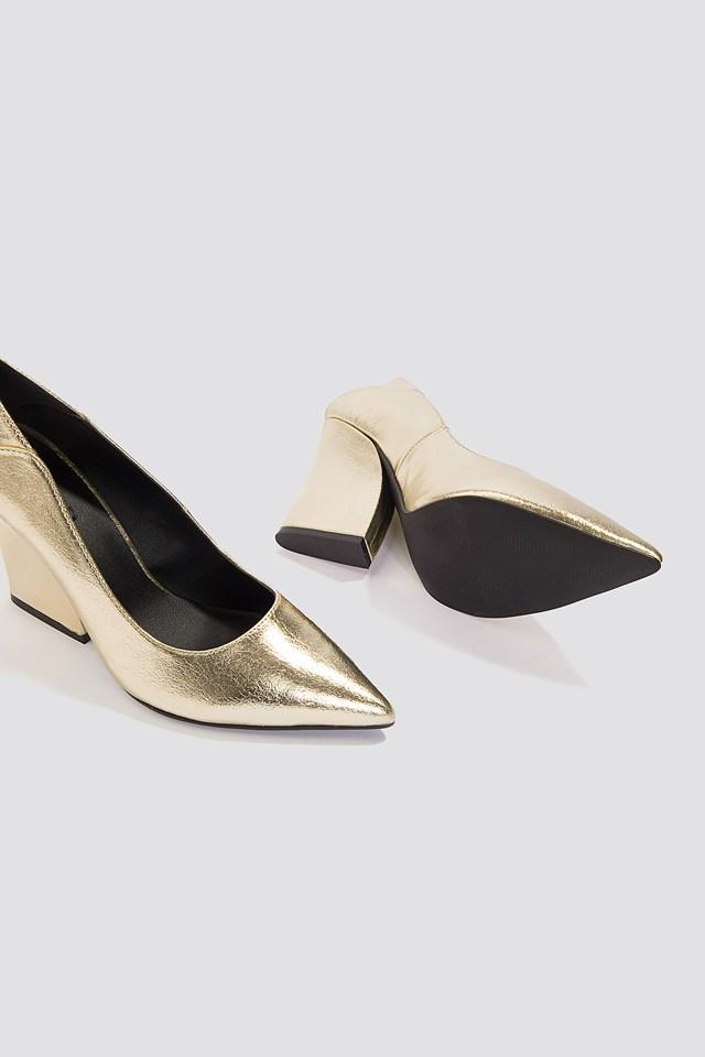 Metallic Pointy Heels Gold
