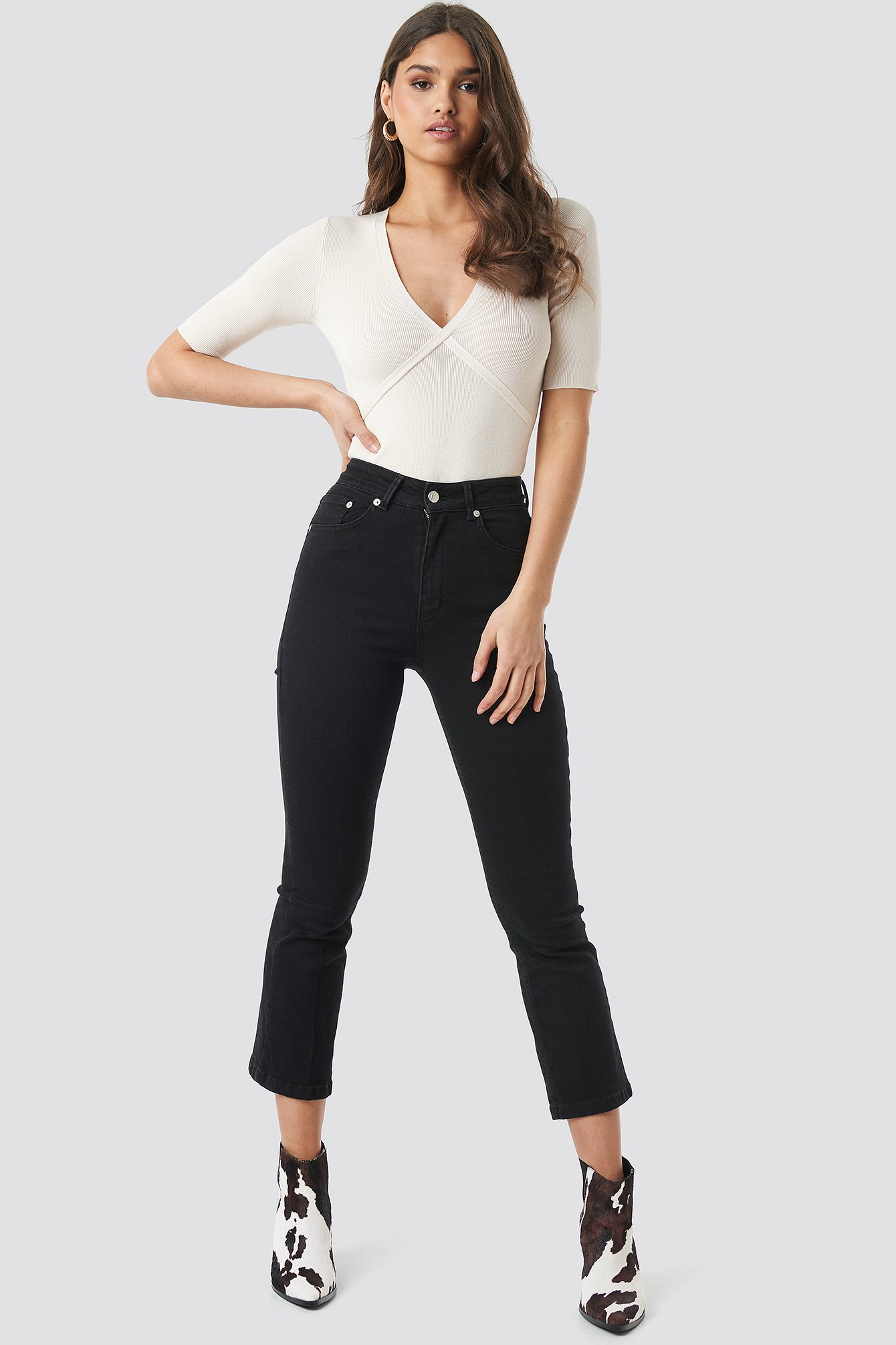 Mid Rise Cropped Flared Jeans NA-KD.COM