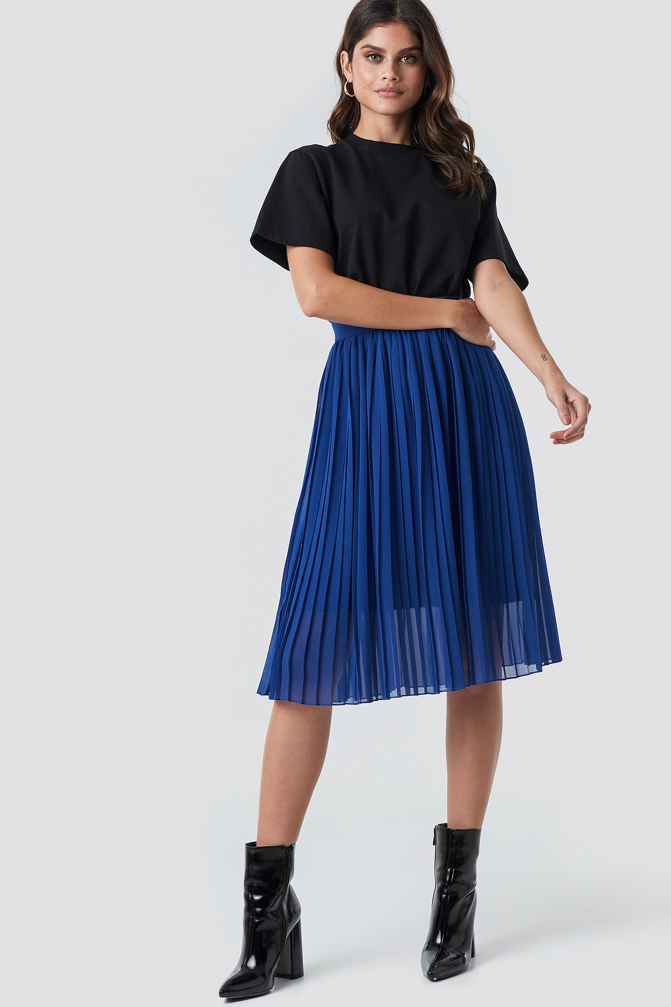Blue Midi Pleated Skirt