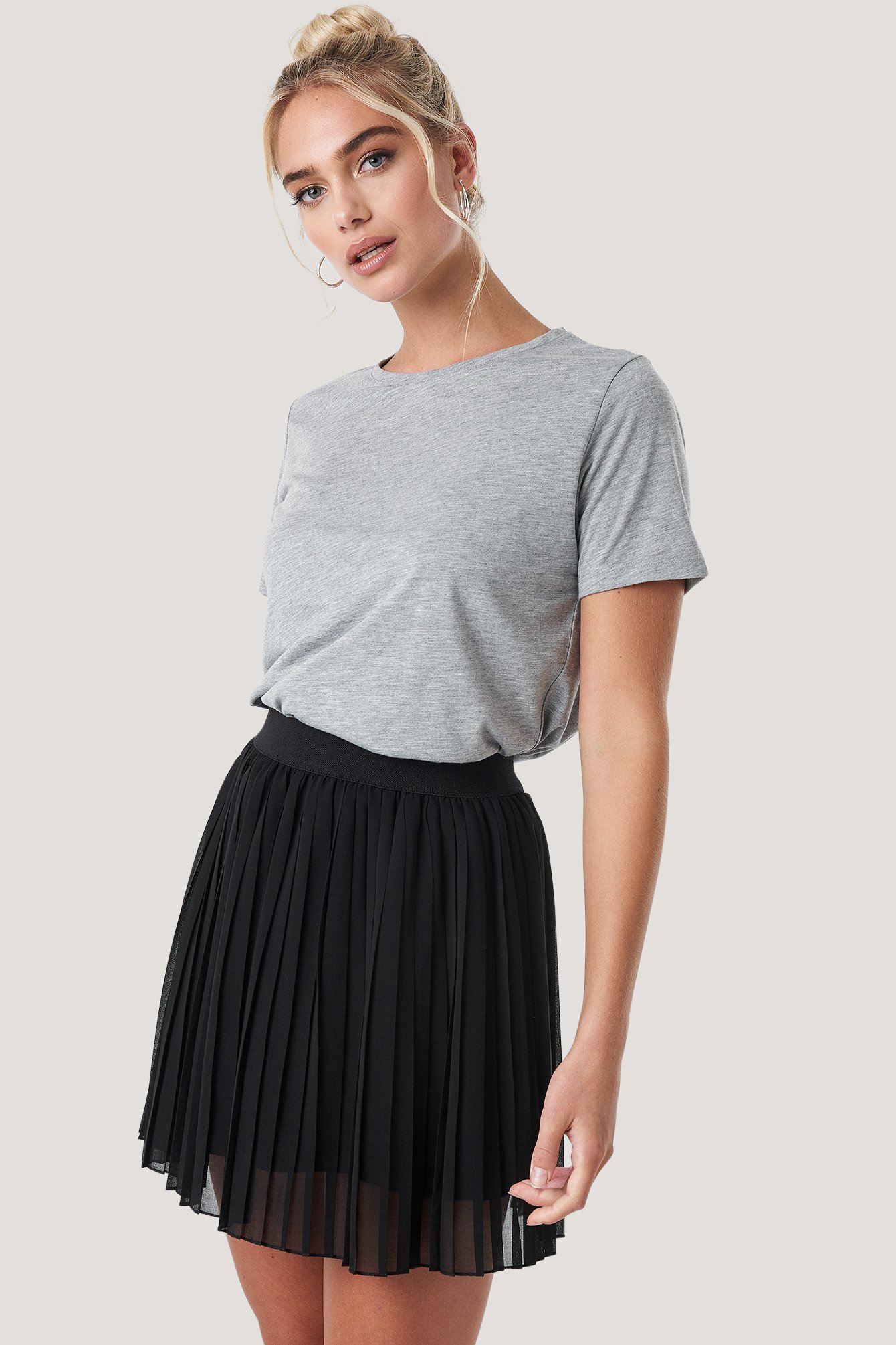 Black Mini Pleated Skirt