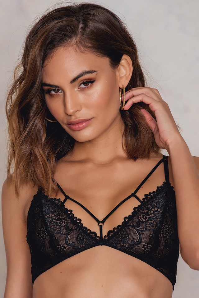 Multistrap Lace Triangle Bra NA-KD.COM