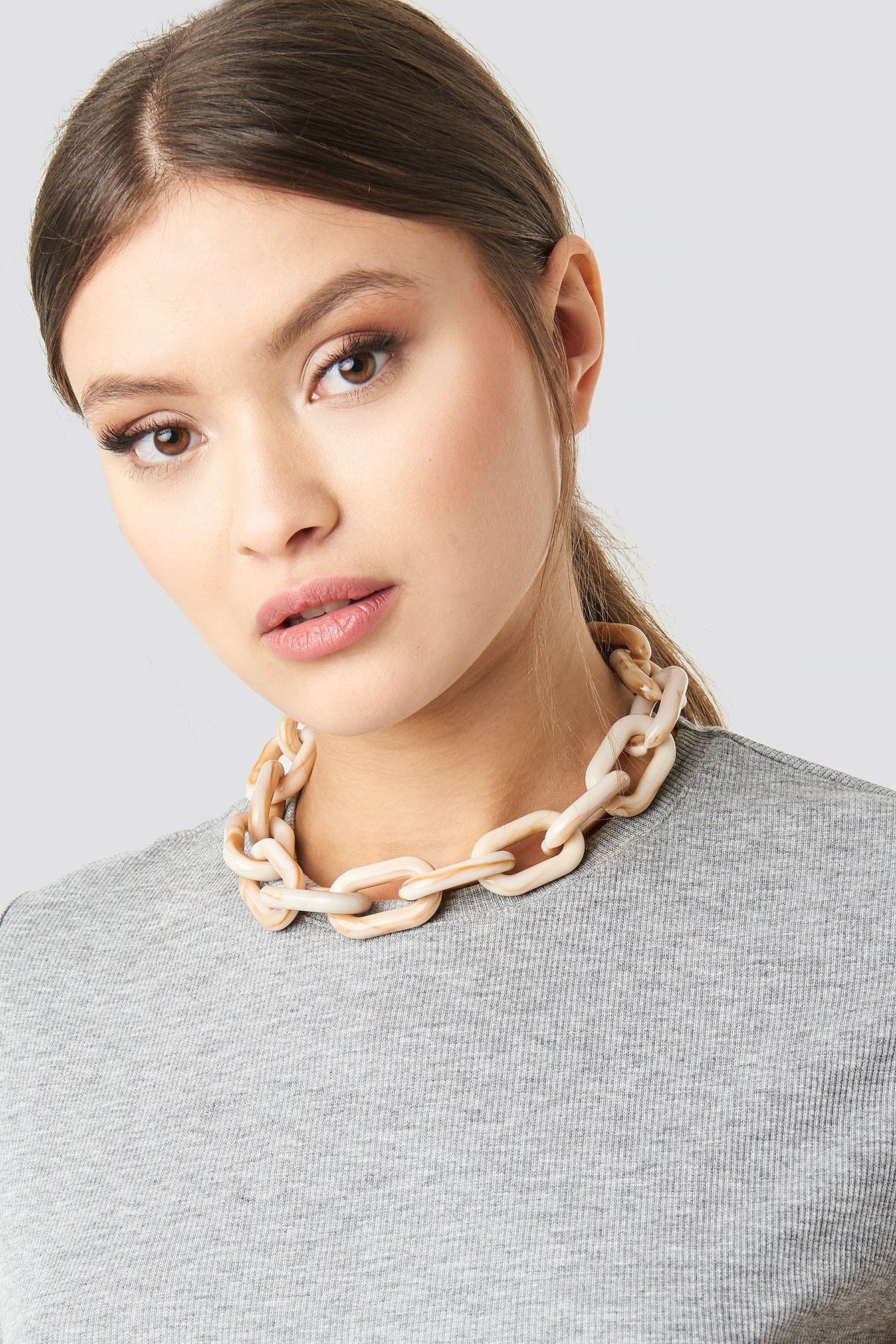 na-kd accessories -  Nude Resin Chain Necklace - Nude
