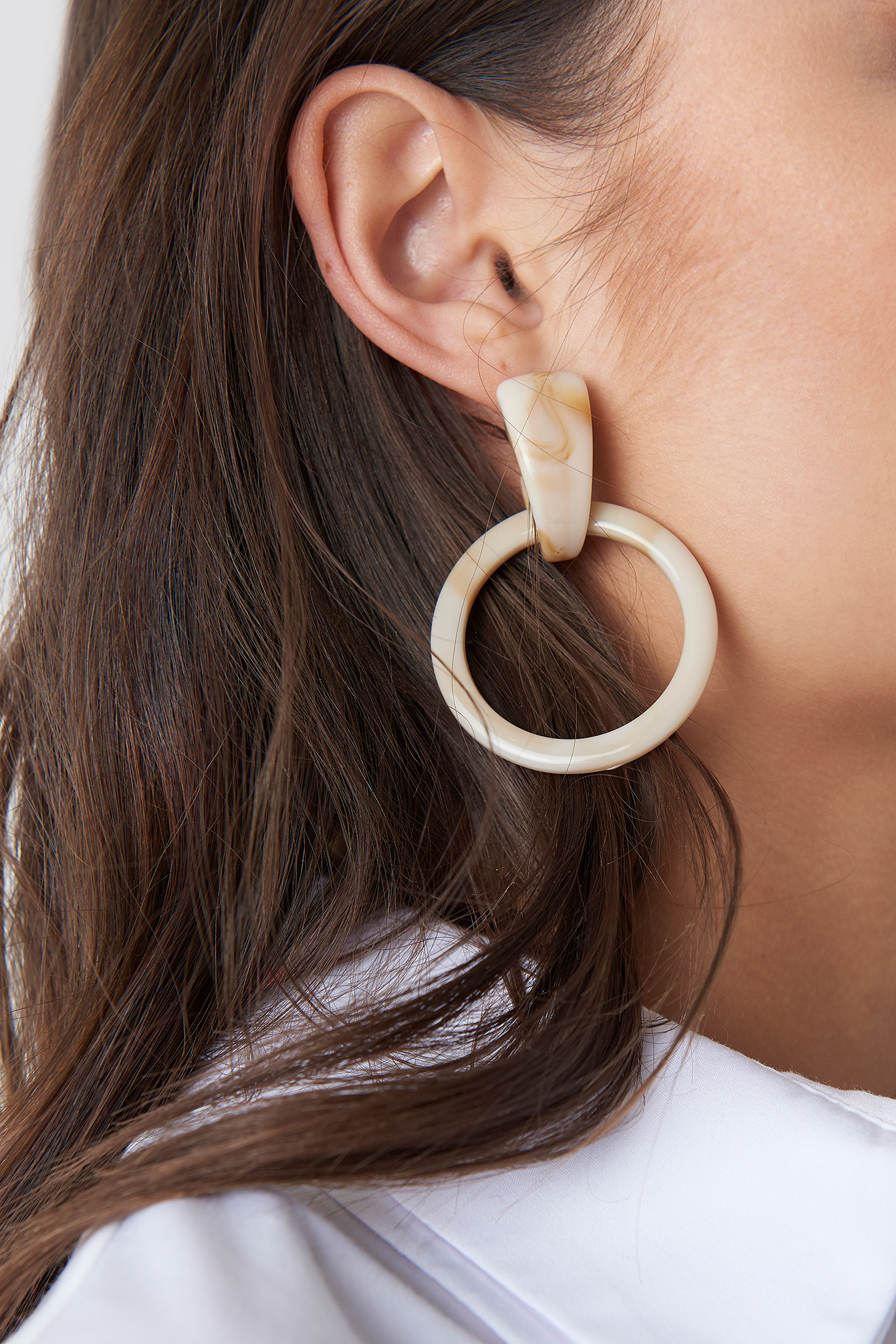 na-kd accessories -  Nude Resin Ring Earrings - White