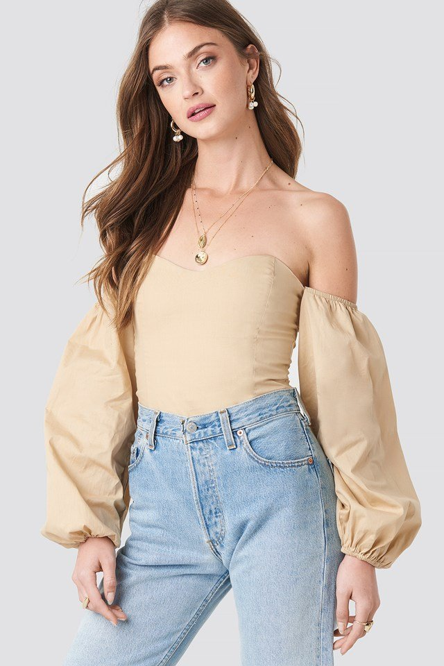 Off Shoulder Balloon Sleeve Top NA-KD.COM