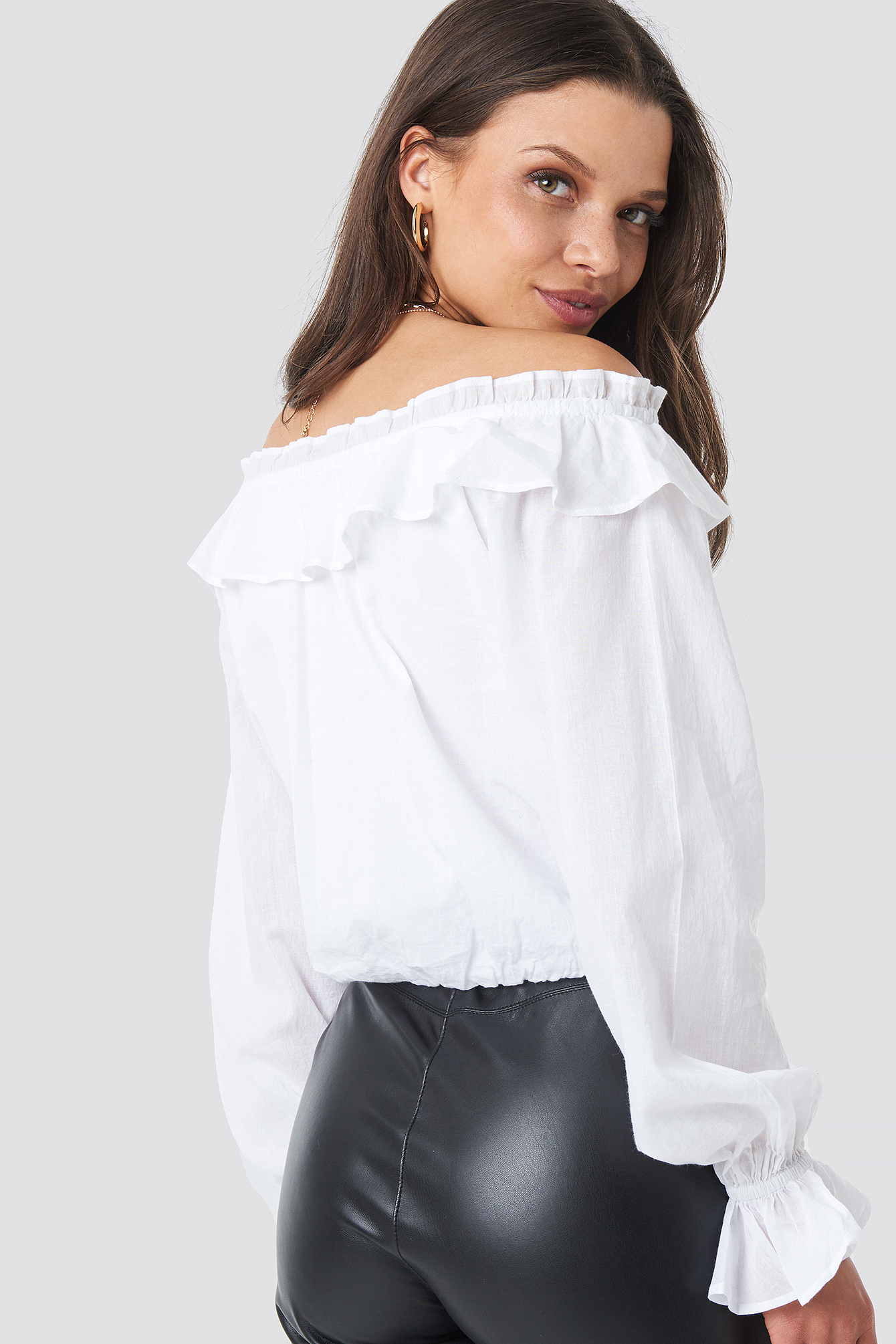 Off Shoulder Frill Crop Blouse NA-KD.COM