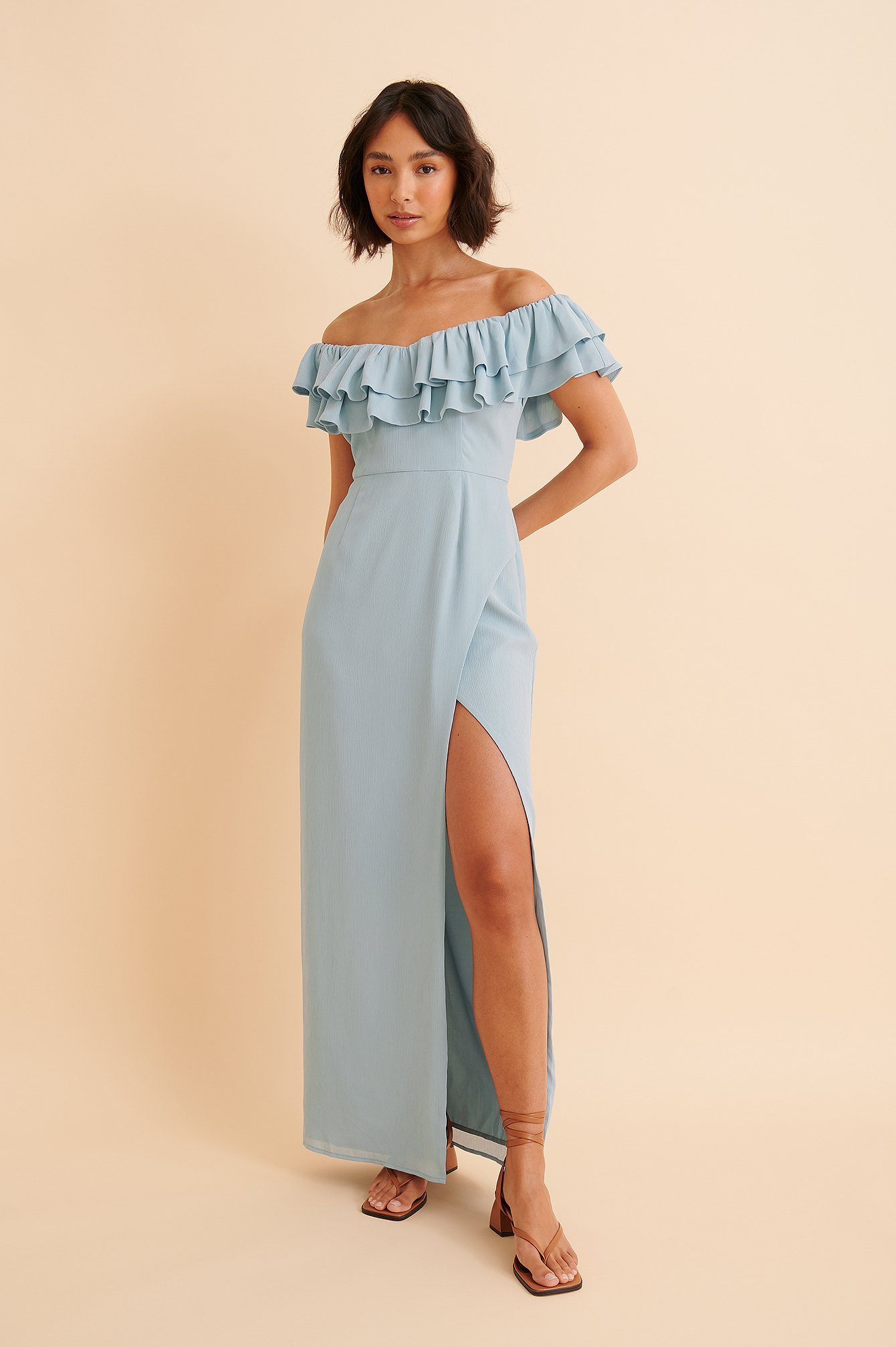 curated styles -  Maxikleid Ohne Schultern - Blue