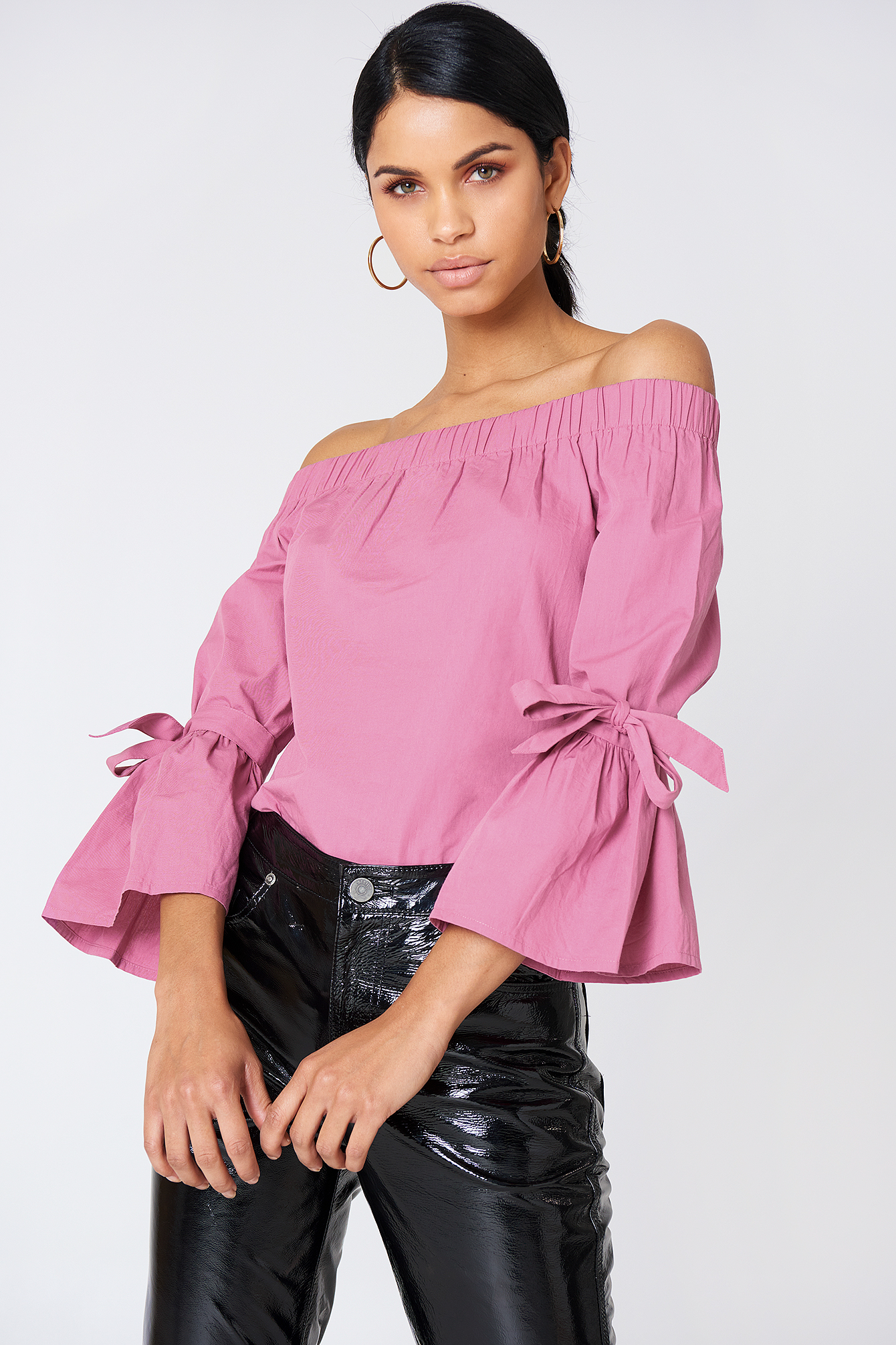 na-kd -  Off Shoulder Tie Sleeve Top - Pink