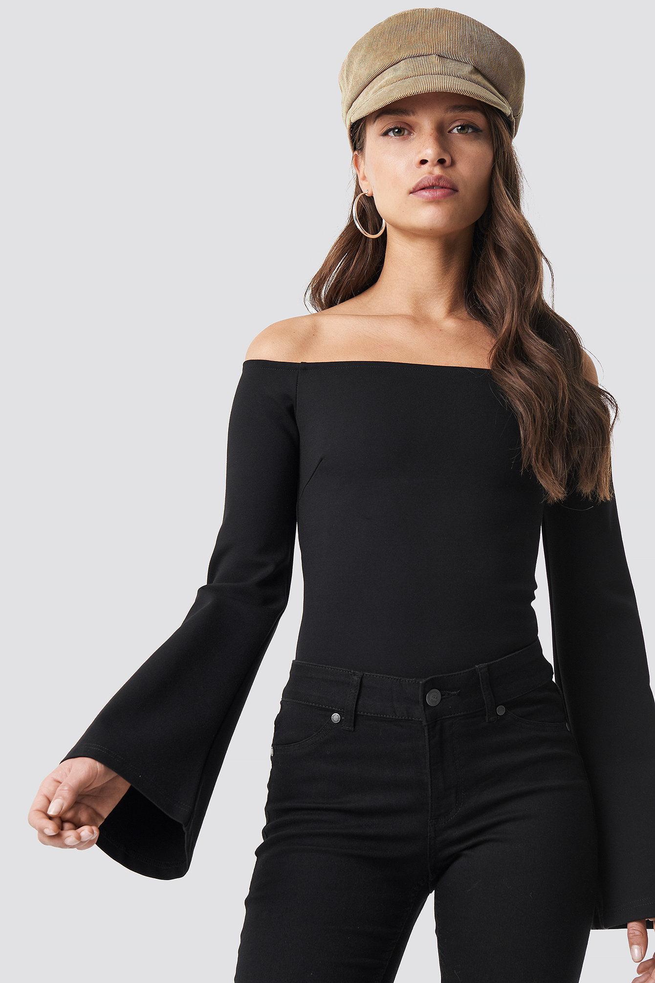 na-kd party -  Off Shoulder Trumpet Sleeve Top - Black